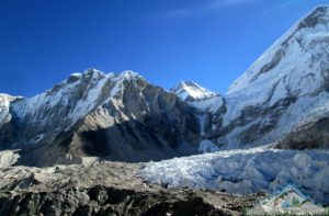 Everest base camp temperature always chilly cold go with proper gear & check Everest base camp temperature today before go.