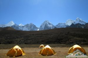 Organize camping trek to Everest base camp guide stay at tent