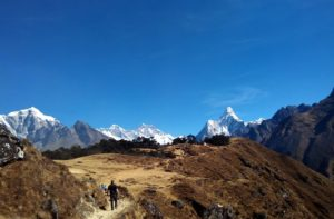 Cheap Everest base camp trek guide cost helps to make your Everest base camp on a budget