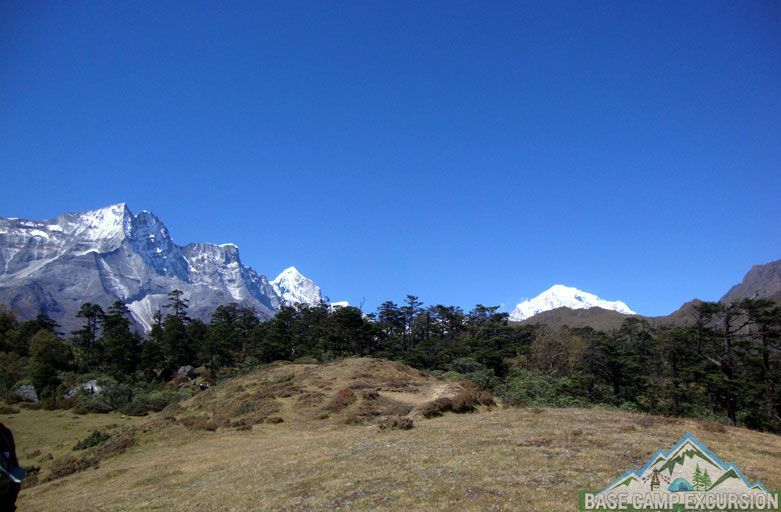 Food, drink and accommodation on the Everest base camp trek