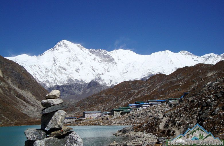 Everest region Gokyo lakes trek takes to gokyo ri in gokyo valley Nepal