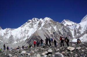 How much does it cost to climb Mount Everest - cost to climb mount everest ecpedition summit