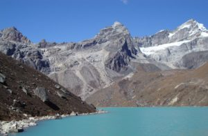 How to get to Gokyo lakes