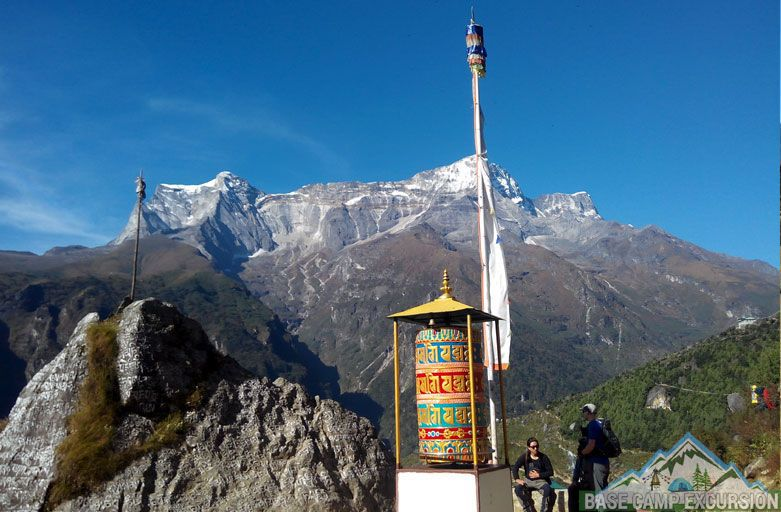 How far is it from Lukla to Everest base camp - Daily distances traveled on lukla to everest base camp trek route