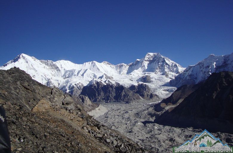 How to get to Gokyo lakes - Ngozumpa glacier view from Gokyo ri and Gokyo lakes