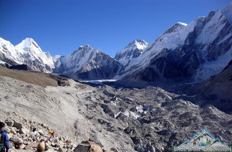 What is the lowest temperature ever recorded on Mount Everest - what is the highest and lowest temperature at mt. Everest peak