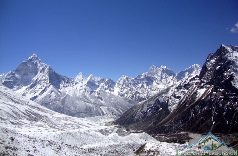 Alpine Everest base camp trek in February - Everest backpack vacations