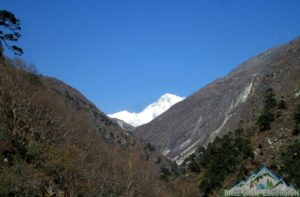 Everest summit trek cost to support Everest expedition member