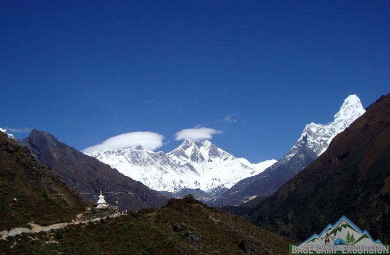 Everest tours - Mani rimdu festival trek to Tengboche monastery