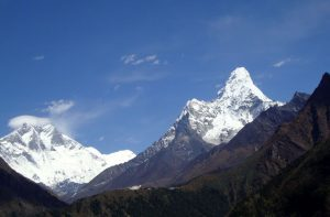 Hike to Everest base camp - Spring season trekking holidays to Everest base camp Nepal