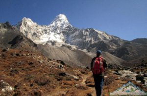 Mount Everest tours by walking the Everest base camp trek independently