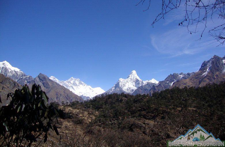 Mt Everest base camp treks in March - hike to Everest base camp