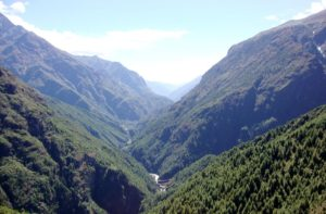 Dudh Kosi River from Mount Everest trekking trail