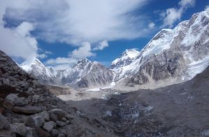 Everest base camp trek along khumbu glacier