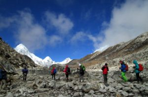 Lobuche to Gorak shep distance for Everest base camp trek