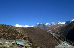 Hiking from Machhermo to Gokyo to discover Gokyo Lakes, Gokyo Ri, Ngozumpa glacier and more