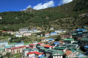 Namche Bazaar to Phortse trail is an alternative to go Everest base camp Nepal after exploring Phortse village