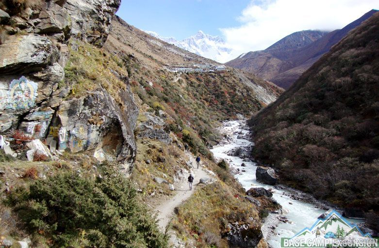 Pheriche to Namche Bazaar distance and map