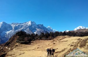 How to visit the highest mountain in the world, daily distance and tips for travel to Mount Everest