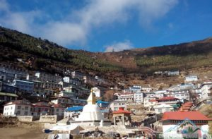 Short Everest trek to see the Himalayas pass through Namche bazaar