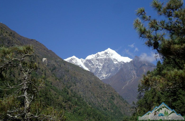 Phakding to Namche Bazaar trek distance, weather & elevation