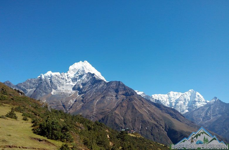 How to reach Mount Everest base camp from Kathmandu, distance and day trip to Everest base camp from Kathmandu