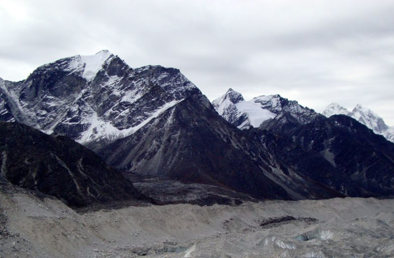 Trek to Kongma La pass altitude, map, difficulty and pictures