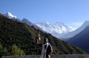 Statue of Sherpa climber in front of Mount Everest, Namche bazaar, Nepal