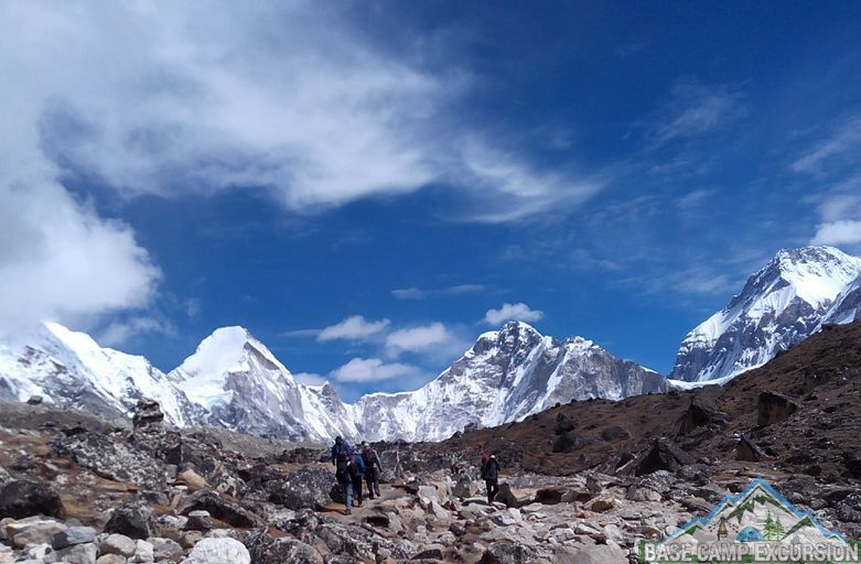 Family Everest base camp trek with kids and seniors