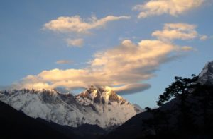 Arun valley to Everest base camp trek via Tumlingtar airport