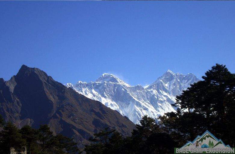 How much to tip Everest base camp trek for Sherpa, Guides & Porters