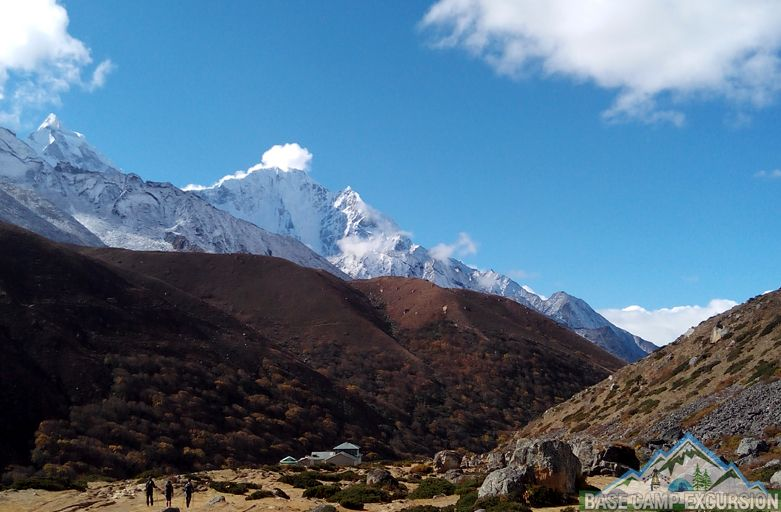 Gokyo lakes & Mount Everest base camp trek Singapore, UK, US & NZ