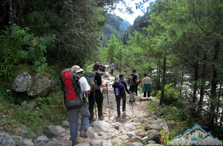 Backpackers guide Nepal for Everest base camp trek on your own