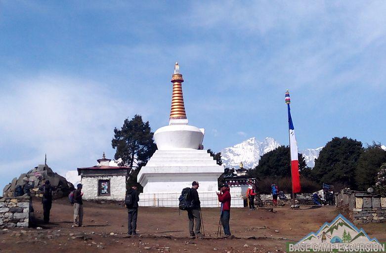 Exclusive Everest base camp yoga trek for retreat & meditation Nepal