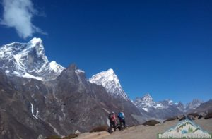 Review cost includes & excludes on Everest base camp trek packages