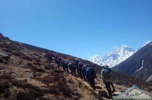 How crowded is Mount Everest base camp trek during peak season