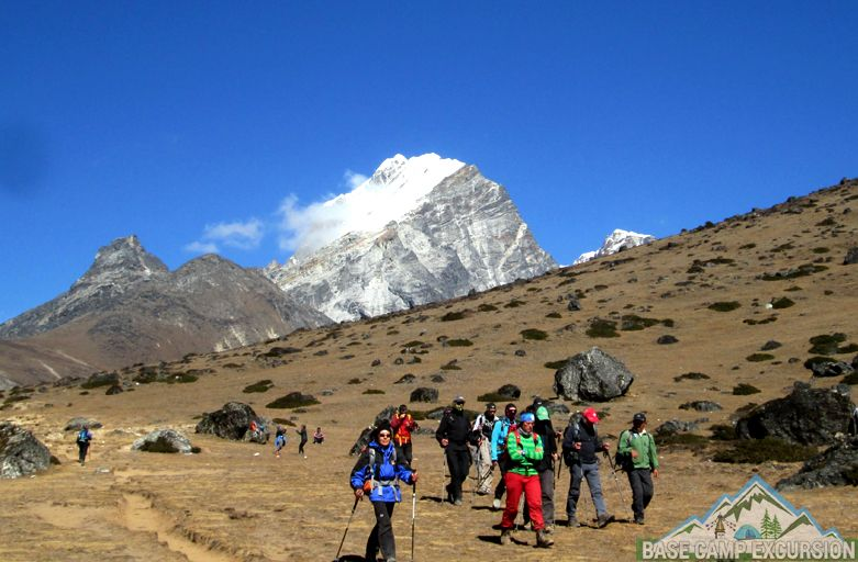 Pokhara to Everest base camp trek distance to travel with local guide