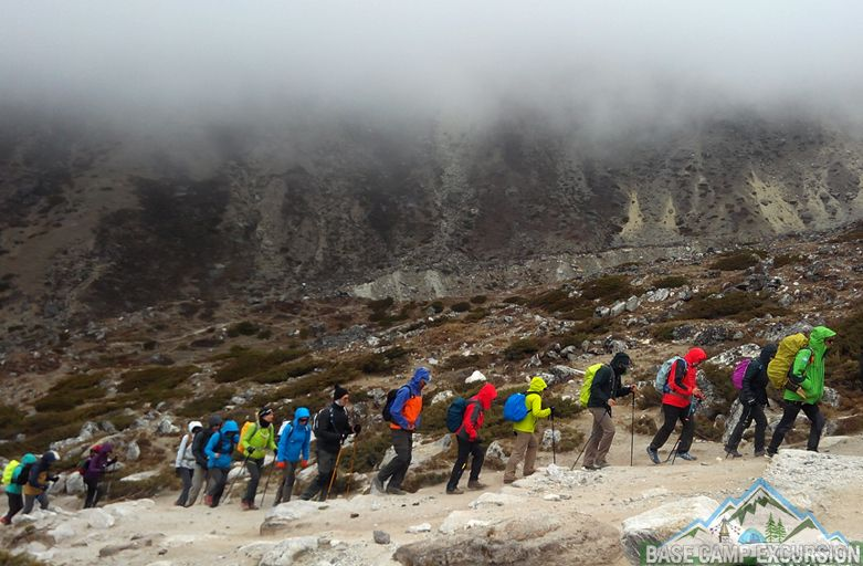 How many days required for Everest base camp trek monsoon months