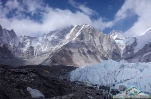 Know all about Breaking, stories, comment & information in Latest mount Everest news today
