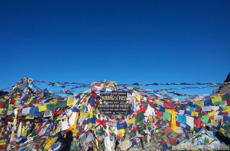 Details Annapurna circuit trek guide crossing thorong la pass Nepal