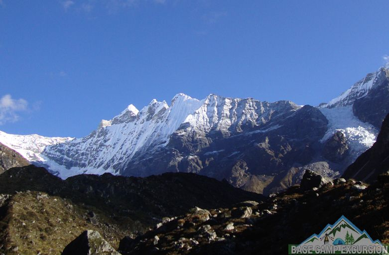 budget Langtang valley trek Nepal